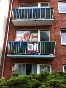 Banderas del St. Pauli FC... OI!
