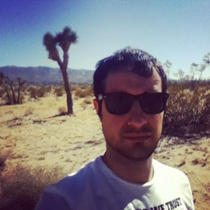 Joshua Tree (by @carloskarmolina)